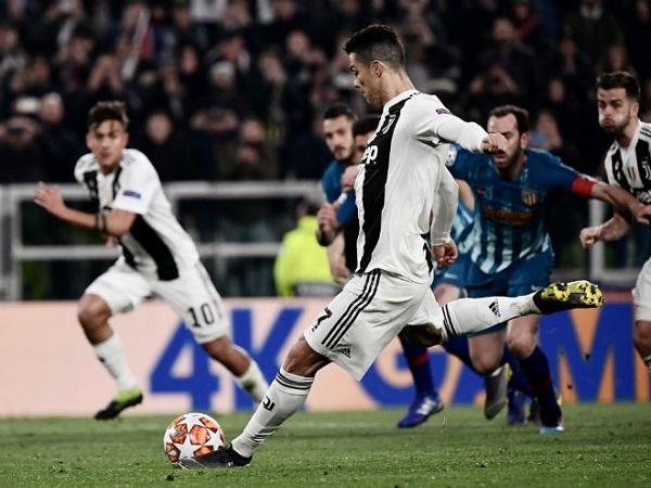 Ronaldo tạo kỳ tích giải cứu Juventus