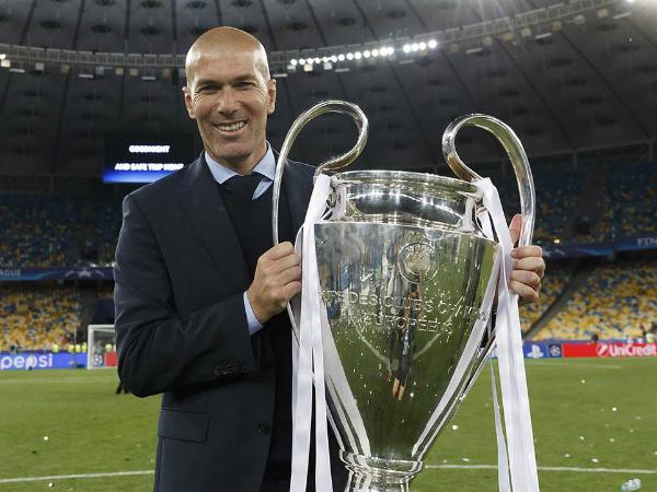 Mijatovic cho rằng Zidane rất can đảm khi trở lại dẫn dắt Real