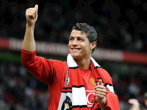 Tin bóng đá 31/8: Ronaldo đến MU tạo áp lực lên HLV Solskjaer